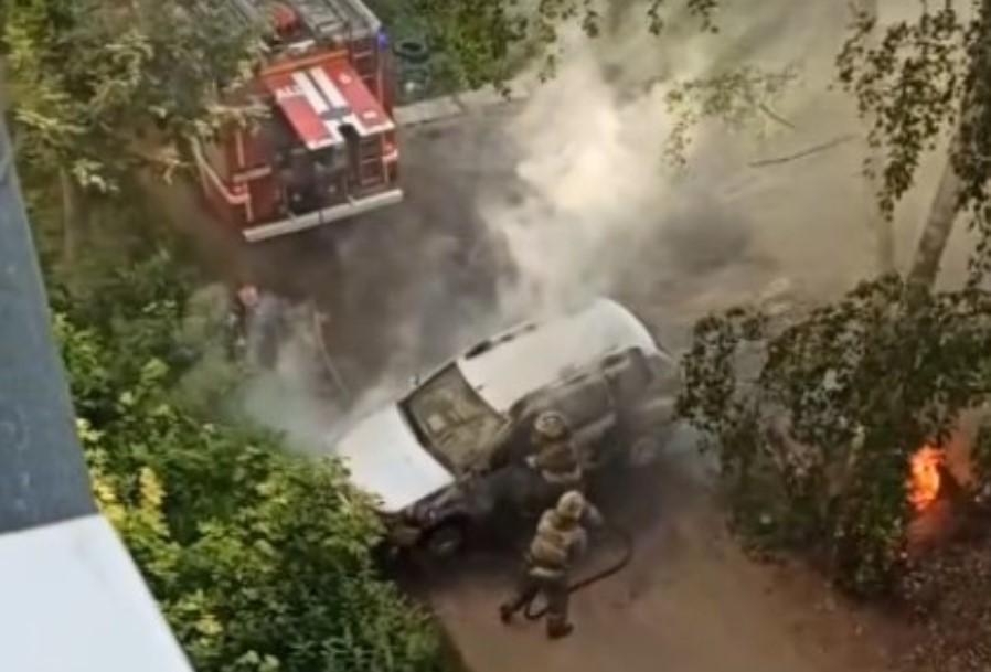 Видео пожара на улице Воронина опубликовано очевидцами происшествия