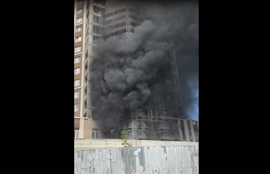 Пожар на Пушкина: опубликовано видео с горящими лесами ЖК «Театральный»