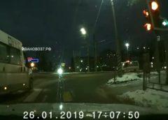 Очередной нарушитель за рулем маршрутки попал на видео