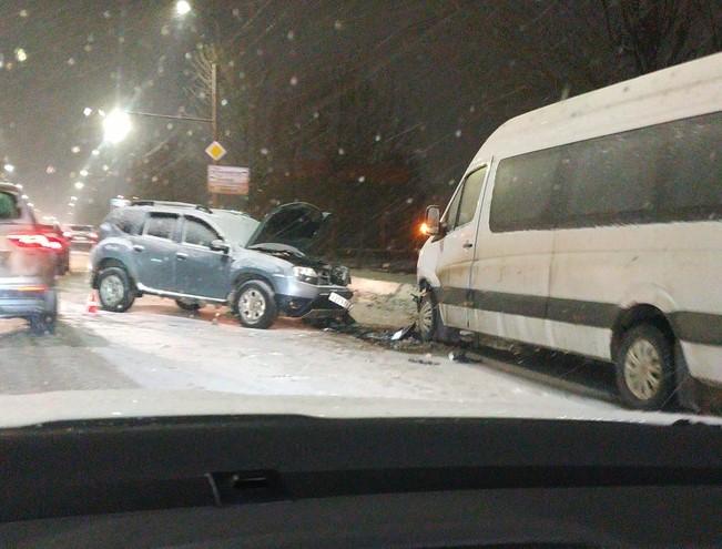 Авария на Куконковых: есть пострадавшие