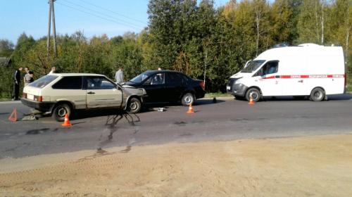 В Подвязновском подросток без прав устроил аварию с двумя пострадавшими