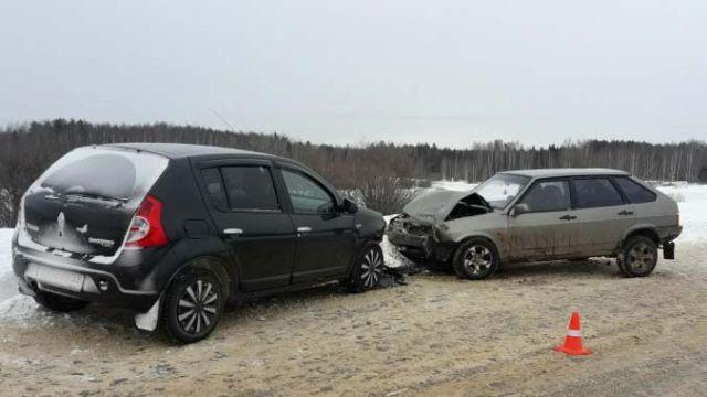 В ДТП на автодороге «Южа-Талицы-Мугреевский» пострадали пассажиры