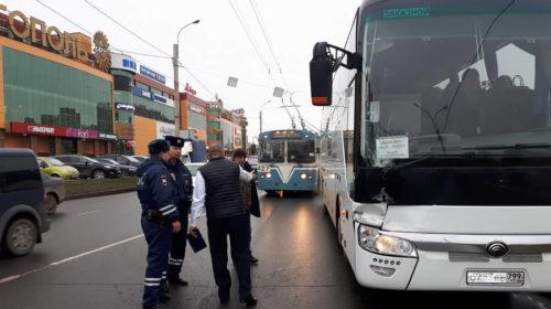 На Лежневской в городе Иваново автобус врезался в ГАЗель