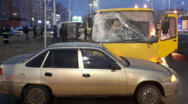 В ДТП маршруток на Куконковых — Любимова в Иванове пострадали семь человек