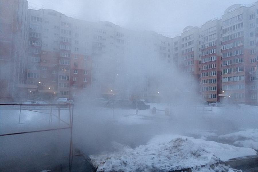 Потоп в Московском микрорайоне: прорвало трубы отопления