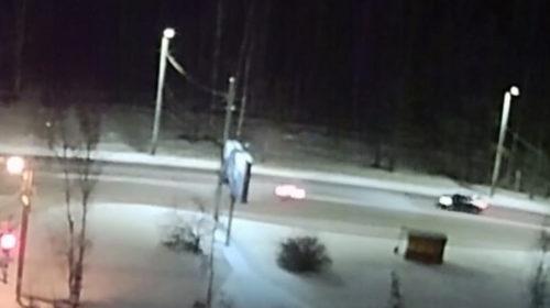 Опубликовано видео ДТП на Кохомском шоссе после заноса автомобиля