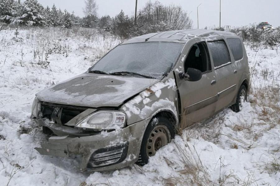 Водитель «Лады-Ларгус» не справился с управлением на трассе «Ковров-Шуя-Кинешма»