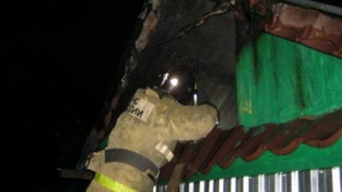 В Юрьевце пожар повредил два дома