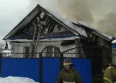 Пожар в деревне Шумилово Тейковского района разрушил сразу два строения