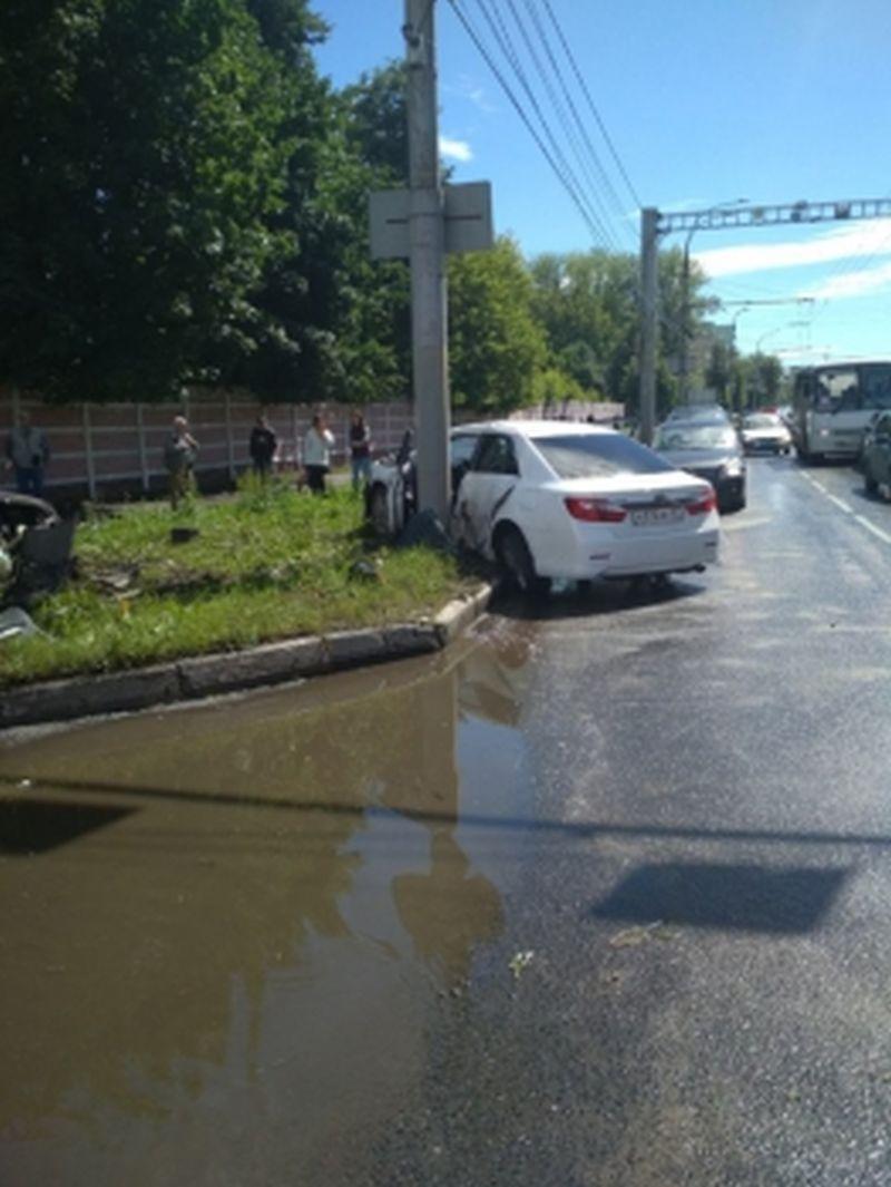 Авария на Лежневской: пострадавшая пассажирка 39 лет умерла в больнице