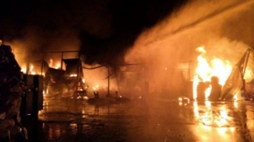 Ночью тушили крупный пожар на Станкостроителей