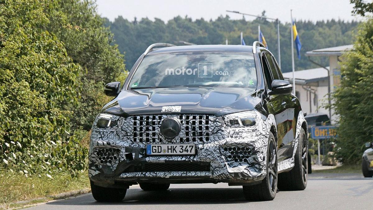 Обновленный Mercedes-AMG попал в камеру почти без камуфляжа