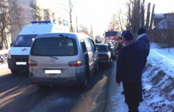 Авария в Вичуге: в массовом ДТП на Володарского пострадал человек
