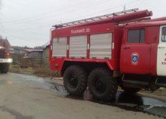 Два человека сгорели на пожаре в поселке Колобово