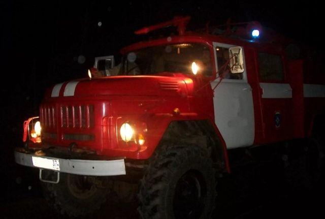 Спасатели в Кинешме тушили пожар в пустующем доме