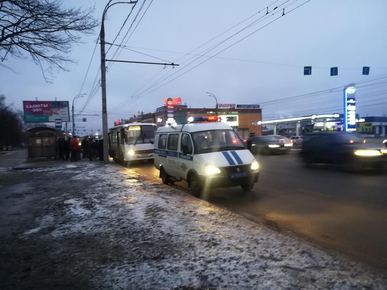 На Лежневской ГИБДД поймали на нарушении водителя автобуса №100