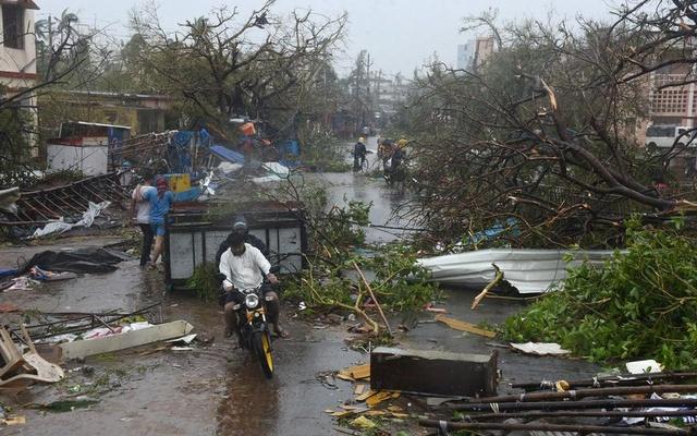Ураган в Индии сейчас стихает: жертв циклона «Фани» стало шесть