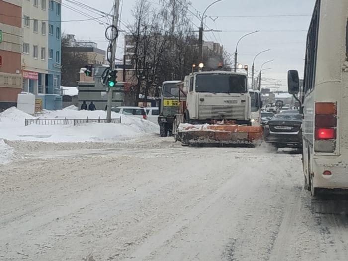 Режим повышенной готовности должен помочь очистить снег на дорогах