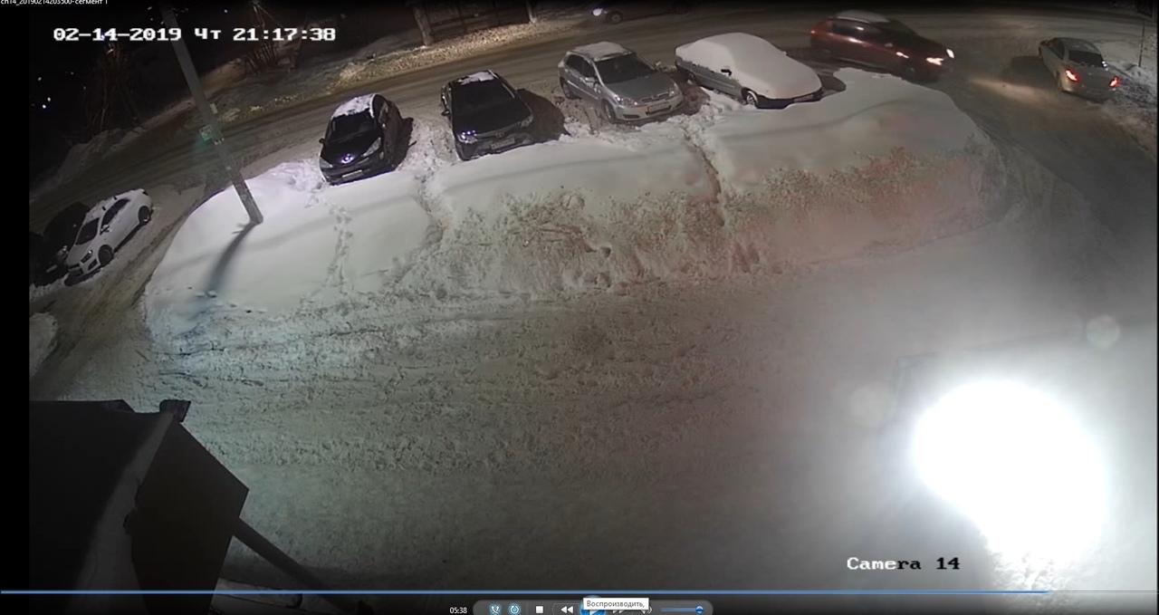 Покушение на мэра: МВД опубликовало фотографии машин у дома Шарыпова