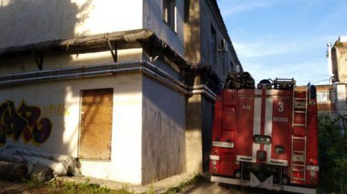 Пожар на Тимирязева: в здании сгорел текстиль 60 квадратах