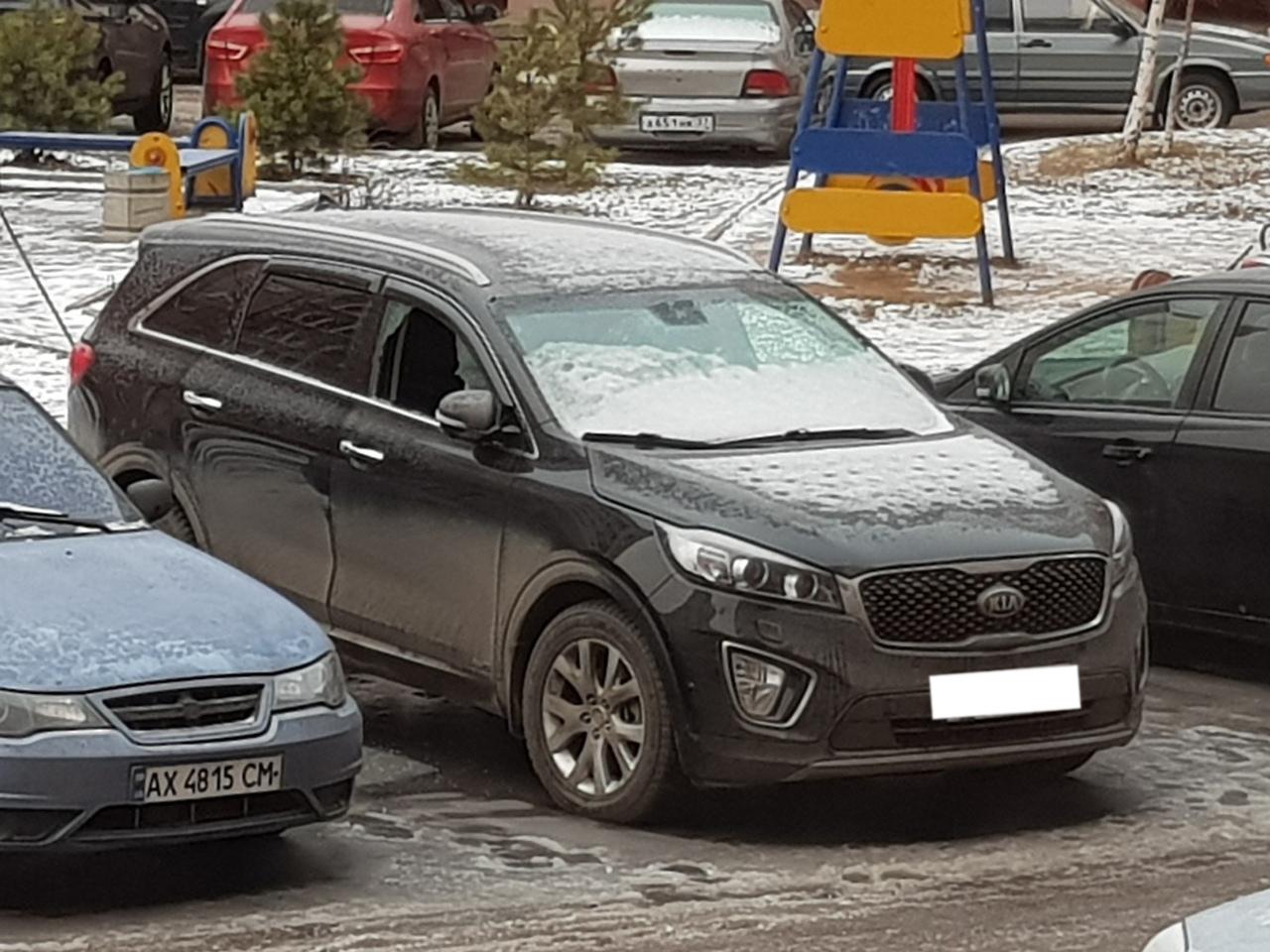 В мкрн «Московский» ночью обокрали очередную машину