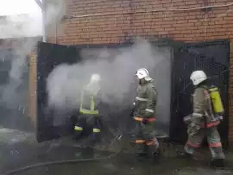 Утром в Иванове сгорел гараж с автомобилем