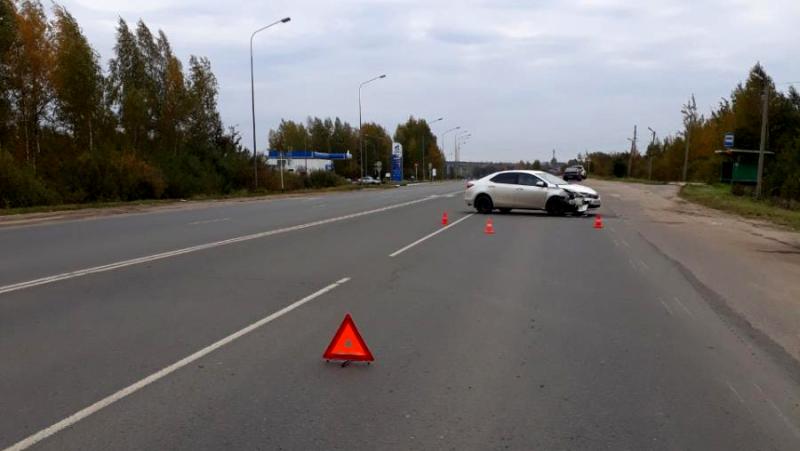В Ивановском районе столкнулись две иномарки: пострадали четыре человека