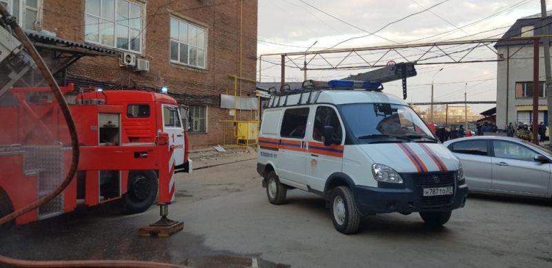 В Кинешме горел производственный цех с фанерой