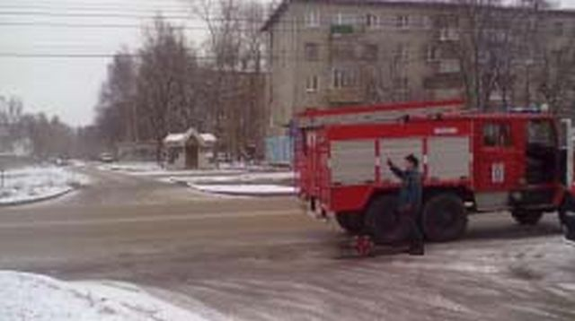 В Фурманове загорелась дверь подъезда жилого дома: пожар потушен жильцами