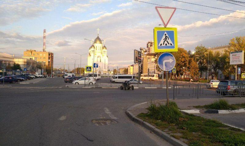 В аварии на Вокзальной площади серьезно пострадал водитель квадроцикла