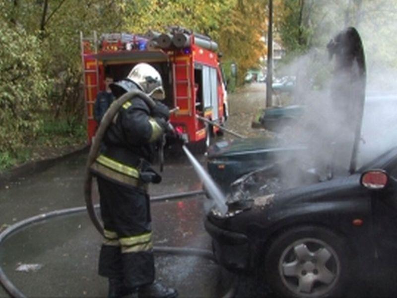 На улице 8 Марта ночью сгорел автомобиль
