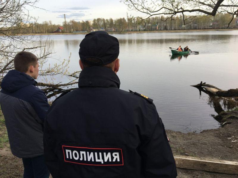 В речке Уводь в парке Степанова найден труп немолодой женщины