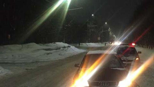 Водитель, спровоцировавший аварию, выезжал со второстепенной дороги Иваново, 4 марта. Позавчера ночью, примерно в половине первого ночи, дорожная авария произошла на улице Пушкина. Столкнулись «Тойота Королла» и «Киа Рио», за рулем которого был 47-летний мужчина, двигавшийся во встречном направлении. В результате столкновения пострадала женщина-пассажир 39 лет из «Кио». К счастью, обошлось без госпитализации – она получила ушибы мягких тканей и вскоре после оказания медицинской помощи была отпущена домой. Обследование обоих водителей показало, что оба в момент ДТП были трезвыми. Установлено, что автомобиль 25-летнего виновника аварии был не застрахован. На водителя «Тойота» составлены административный материалы – сообщает УМВД по Ивановской области.