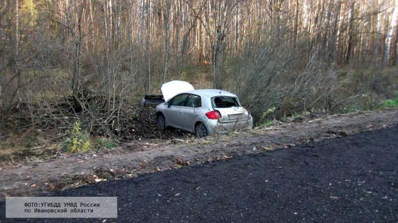 Авария в Тейковском районе: автомобиль «Тойота» опрокинулся в кювет