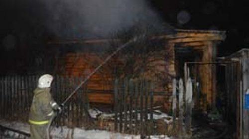 Пожар в Песочнево: огонь уничтожил 100 квадратных метров дома