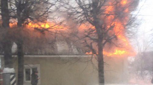 Пробка на Лежневской: пожар на Пророкова тушит МЧС