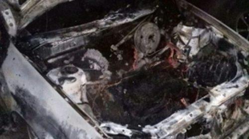 На улице Демьяна Бедного ночью горел автомобиль