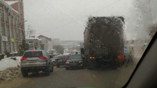 Пробка на Громобоя у Таганки: авария парализовала движение