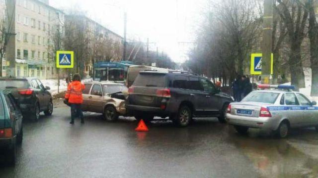 Авария на перекрестке Ермака - Войкова: движение останавливалось из-за ДТП