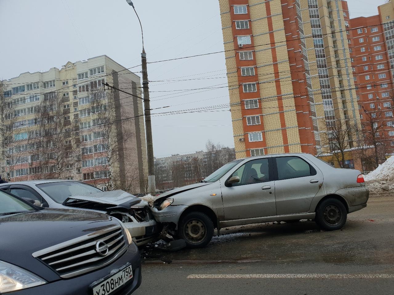 Авария на Куконковых у «Евроленда» попала на видео