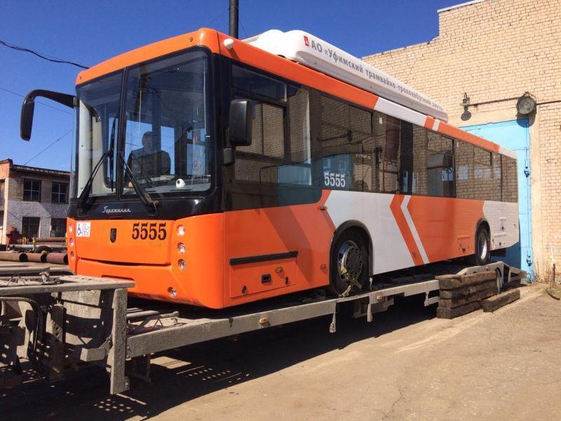 До 500 метров троллейбус может передвигаться без контактной сети и как обычная машина объехать место аварии.