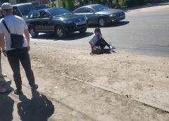 В Кохме пенсионер на иномарке сбил молодую женщину