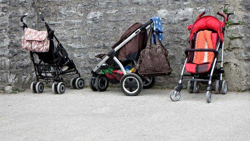 Маршрутчик отказывался везти мать с коляской и 7-месячным ребенком