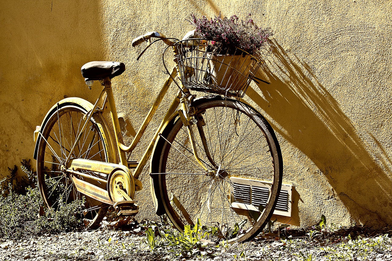 В Фурманове водитель сбил велосипедиста и скрылся