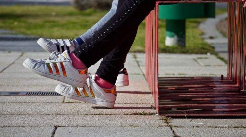 Видео с очередным избиением девочки-подростка появилось в местных сетях
