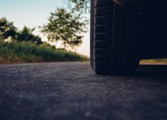 О датчиках давления в шинах: как работают и чем они полезны