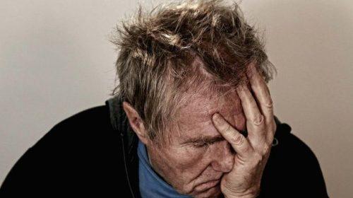 В Заволжске мужчина намеренно едва не убил собственную пожилую мать
