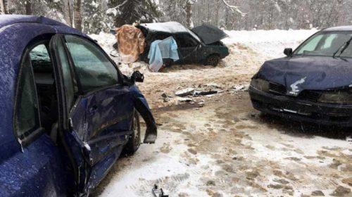 Авария в Малинках: на одной из машин была летняя резина