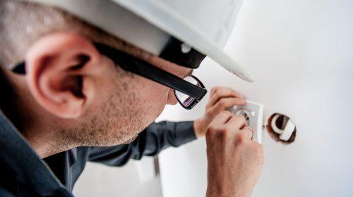 Когда включат свет: энергетики объявили график ремонта