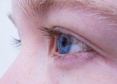Ученые создали «умные» контактные линзы, увеличивающие масштаб при моргании